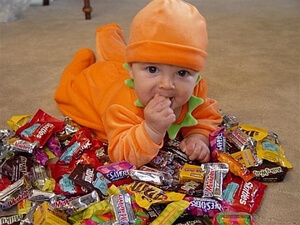 baby-with-candy